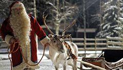 Santa Claus se prasečí chřipky nebojí, manželka o něj dobře pečuje